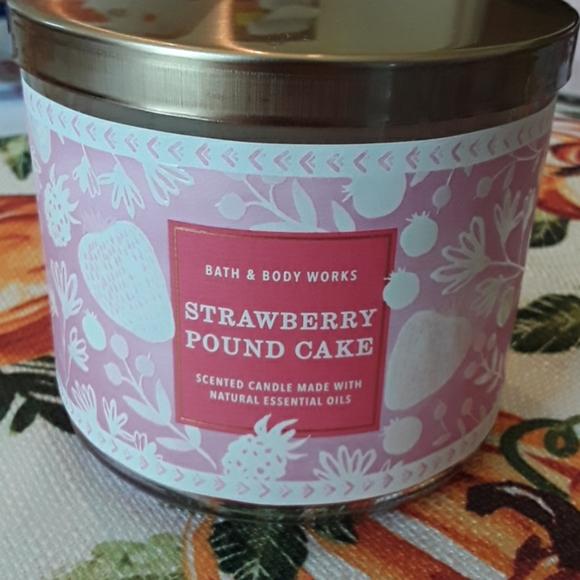Bath and body works Strawberry Pound Cake candle